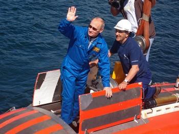 В.В.Путин перед спуском в аппарате МИР